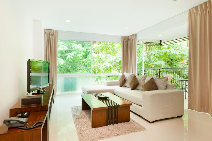 Lovely 1 Bdrm Condo Surin Beach