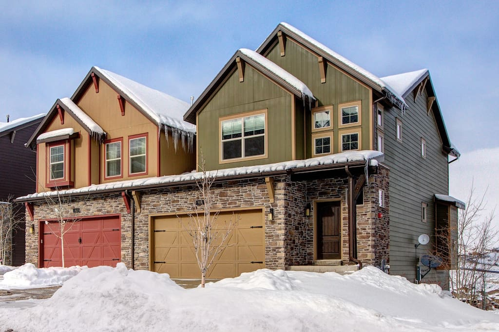 Retreat at Jordanelle 906 - Luxury Town Homes in the Park City Area