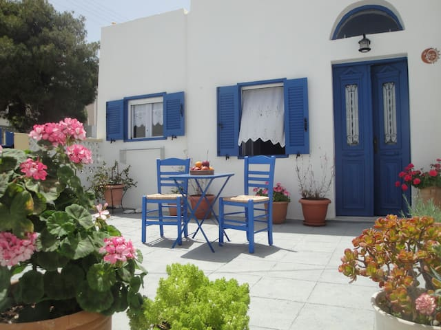 Calderimi Traditional Family house  - Thira - Huis