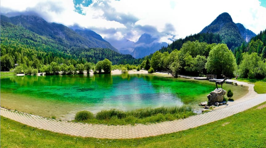 You can drive your car or walk the 2km from Kranjska Gora to Jasna Lake.