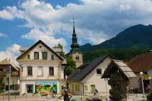 Apartments are only 2 minutes waking distance from the centre and the main square of Kranjska Gora.