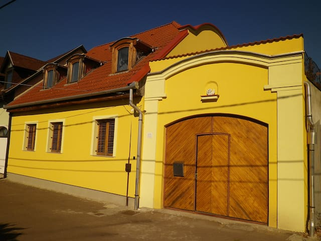 Apartman - Eger - Дом