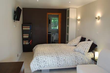 CHAMBRES D'HOTES près de TOULOUSE - Fronton - Bed & Breakfast