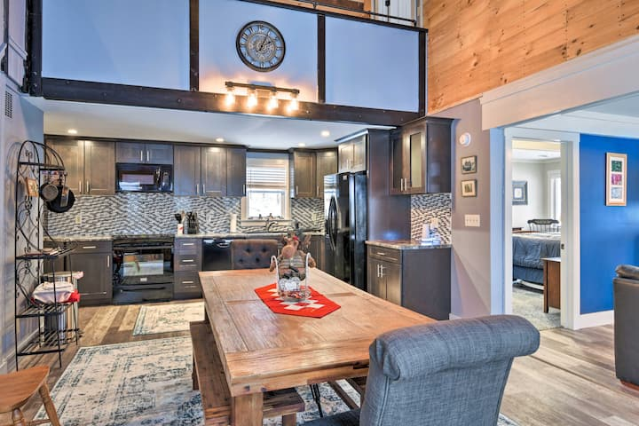 Remodeled Home 7 Miles to Cannon Mountain!