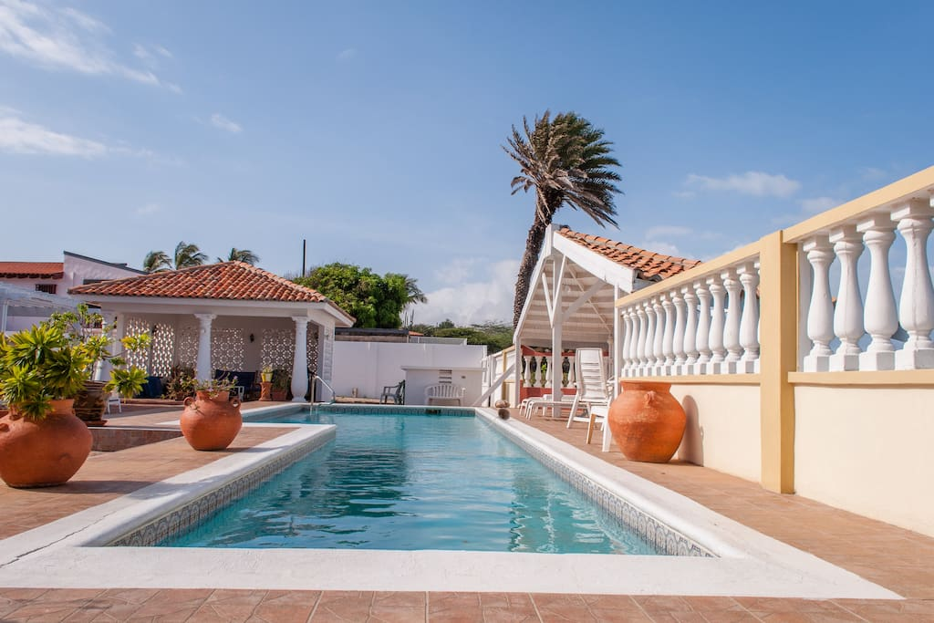 On The Beach Guestroom 5 Pool Houses For Rent In Noord Aruba