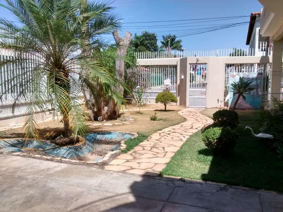 entrada da casa - jardim