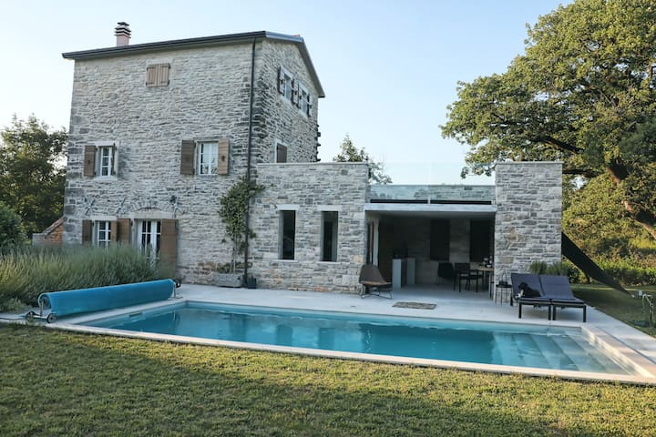 Casa Istriana Insula Sola Main House & Guest House