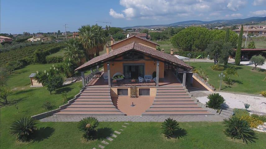 Spacious, luxurious villa with private pool - Cerveteri - Villa