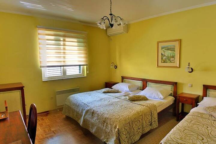 *Your Home Away From Home In Mostar* Villa Fortuna - Mostar - Villa