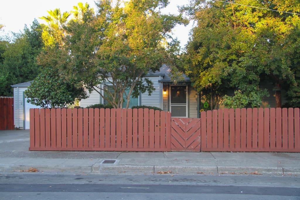3 Plus Br Wine Country Sunflower House Sleeps 8 Houses For Rent In Santa Rosa California