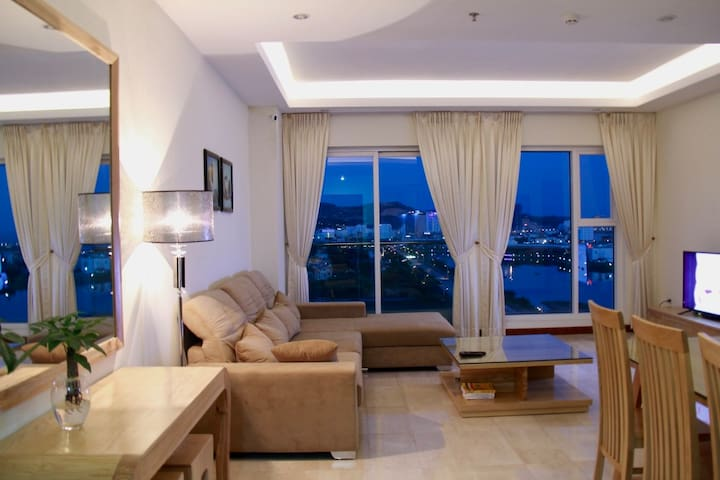 Luxury Apartment with Sea View - tp. Hạ Long - Leilighet