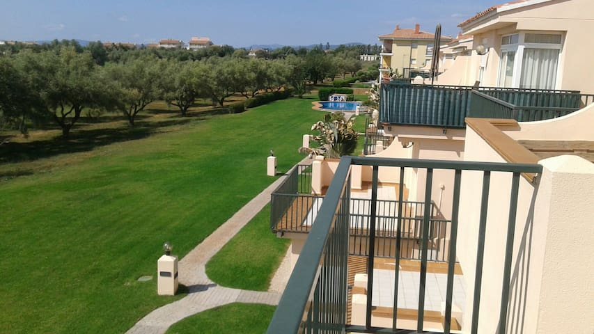 ESPAÑA -Castellon- Golf, piscina, playa, monte