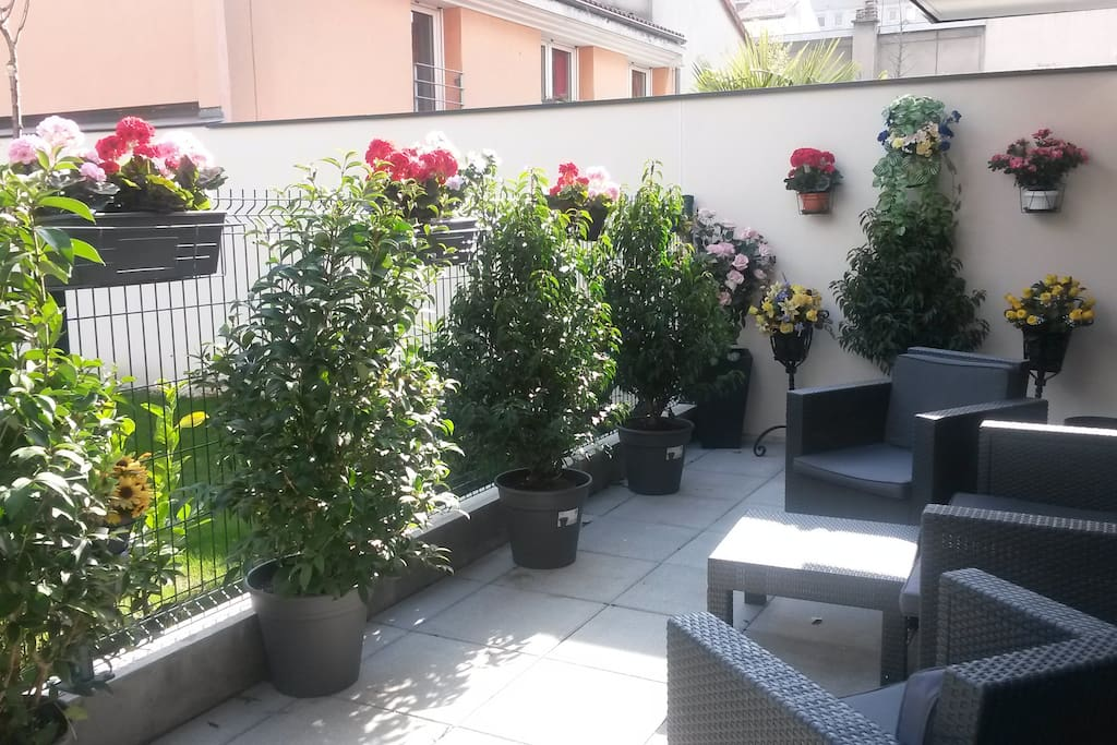 Superbe appartement avec terrasse proche paris for Appartement atypique saint ouen