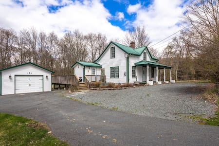 Country French Getaway in Bethel, NY (Monticello) - Mongaup Valley - Casa