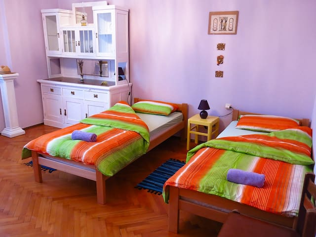 True colours - Lavender room in Rijeka city centre