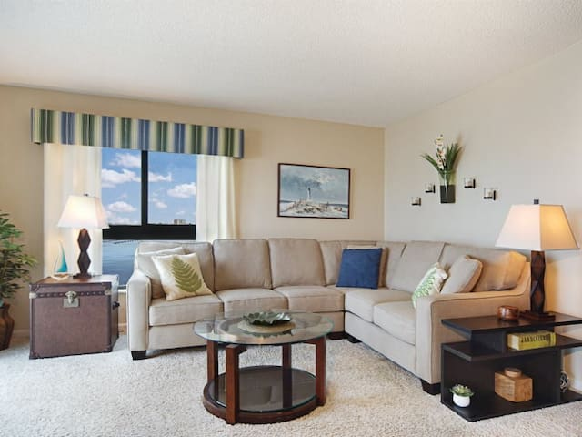 25% OFF MAY 1-NOV 13 2020  Island Winds, Beautiful 6th Floor Sunset View