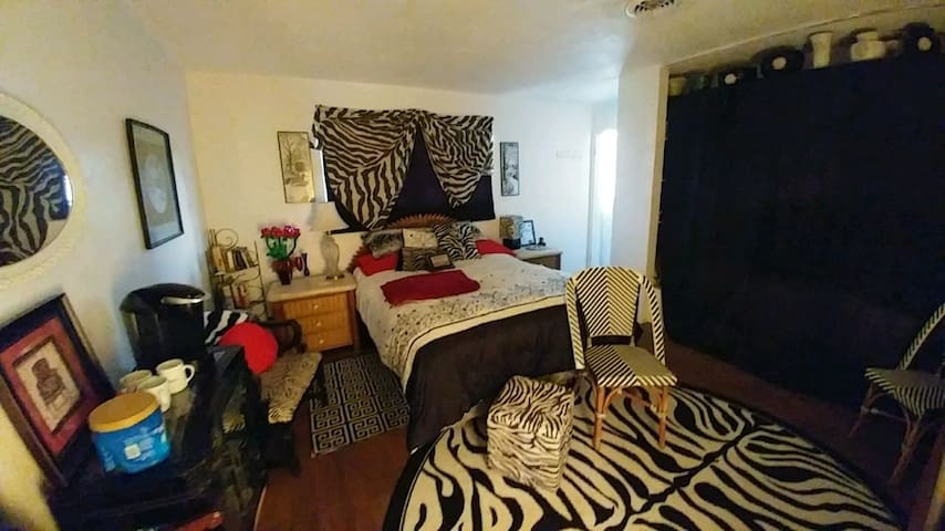Cozy room minutes from beach  - Daytona Beach - Bed & Breakfast