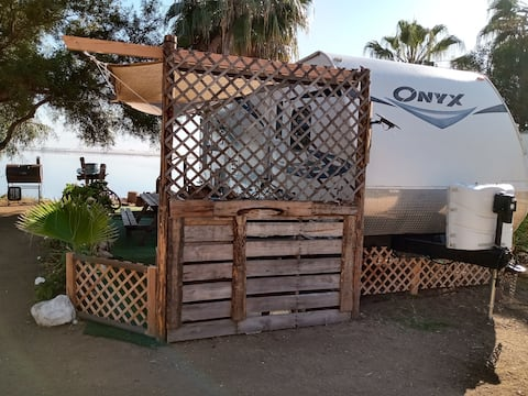 A+waterfront Glamping, Baja adventure safe&secure