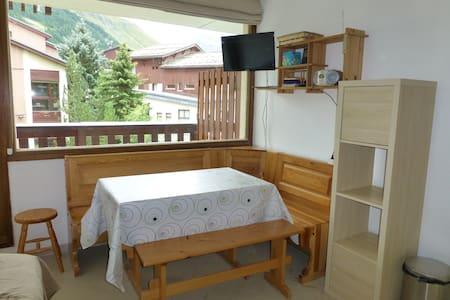 Appartement centre Val d'Isère + parking privé