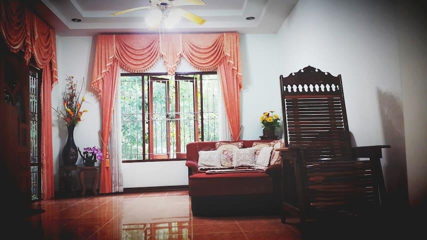 Jomkwan  House