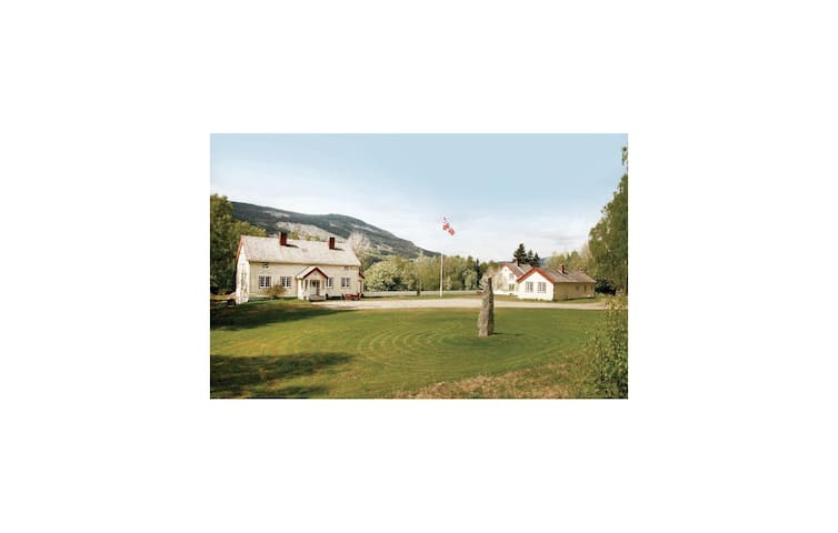 Holiday cottage with 2 bedrooms on 58 m² in Ringebu