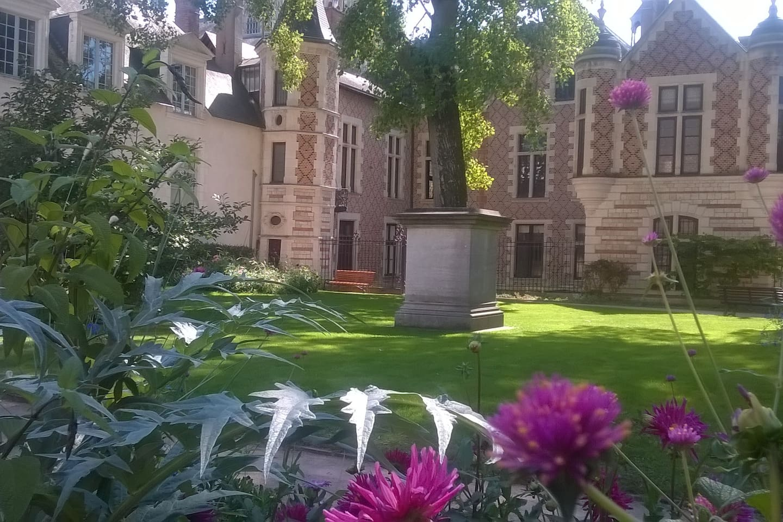 Le jardin de l'Hôtel Groslot