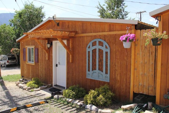 Yellowstone's Treasure Cabin #1 in Gardiner, MT