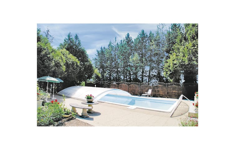 Holiday cottage with 4 bedrooms on 120 m² in Montsoreau