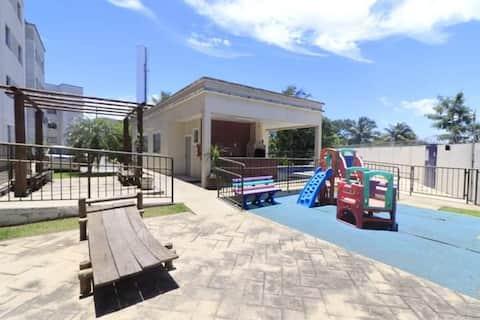 Quarto apartamento mobiliado fácil acesso a praia.