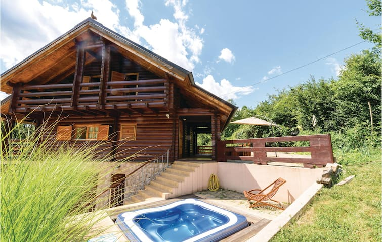 Holiday cottage with 3 bedrooms on 180 m² in Krasic