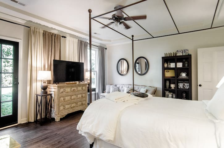 Relax and unwind in the Master Suite of Carriker Cottage @OldHaiglerINN