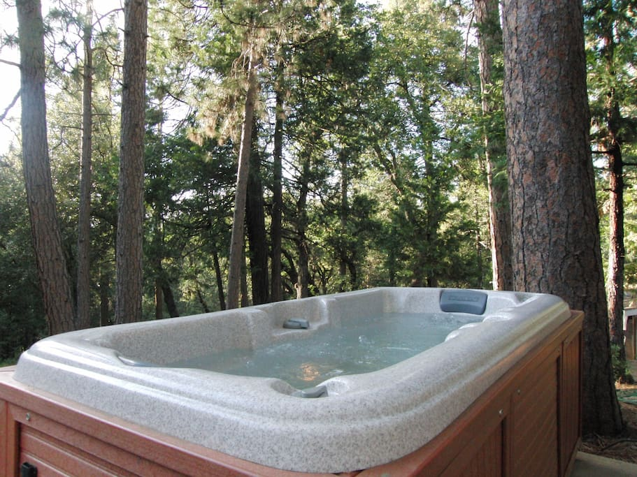 Perfect two person hot tub, great for soaking after a beautiful day hiking.