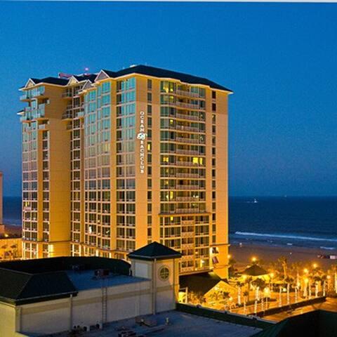 Luxury Studio in Beach Front Resort