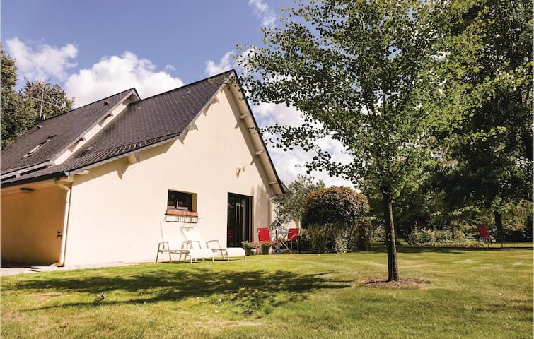 Semi-Detached with 1 bedroom on 35 m² in Ectot L'Auber