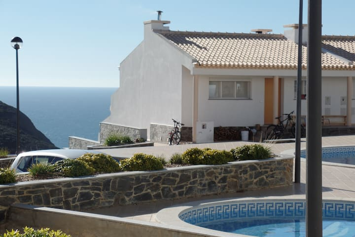 Luxury Arrifana appartment, sleeps 6 - Faro District - Lägenhet