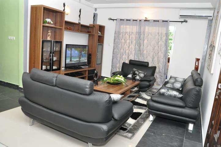 Appartement luxeux avec piscine à Bonanjo - Douala - Douala - Appartement