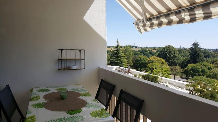 Appartement rénové avec vue