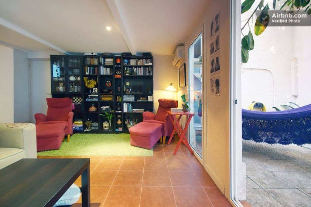 Upper room patio home in gracia case in affitto a for Case in affitto a barcellona spagna