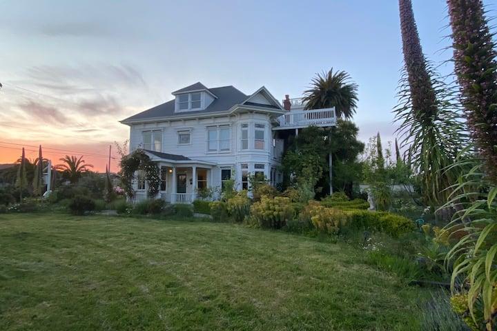 Historic Coastal Mansion and Ballroom