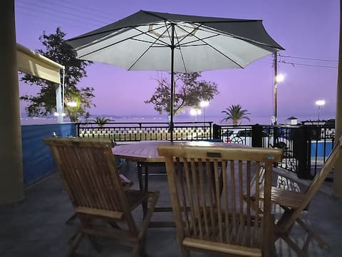 BLUEHOUSE KALLISTI Luxurious Seashore Suite!