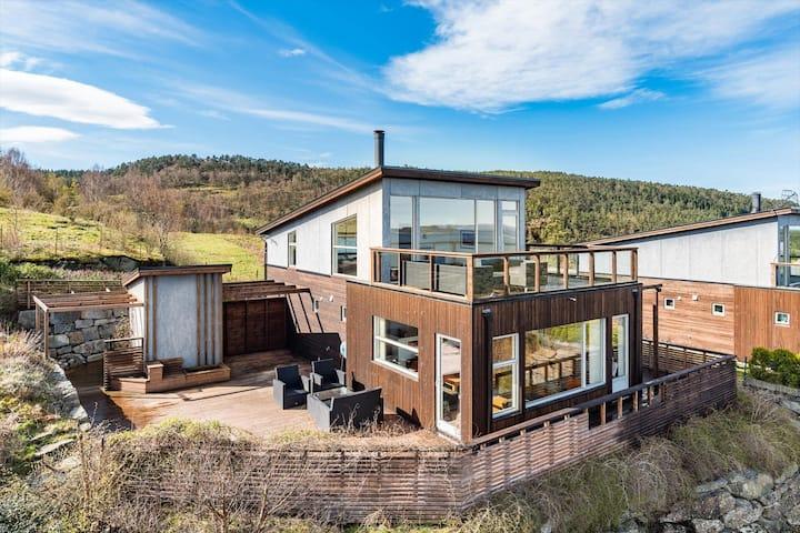 Modern holiday house - Pulpit Rock/Preikestolen