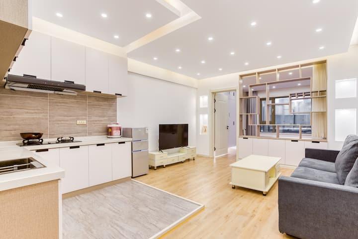 兴宿|可月租 市中心延大对面|天池公寓精品大床房