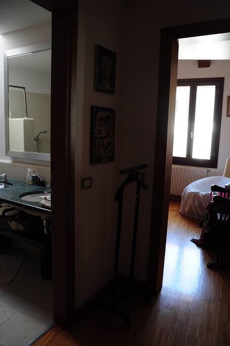 Downtown b b pernottamento e colazione in affitto a for Appartamenti arredati affitto bassano del grappa