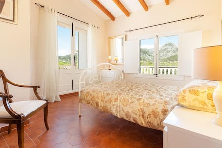 Ensuite rooms with Mountain views  - Caimari