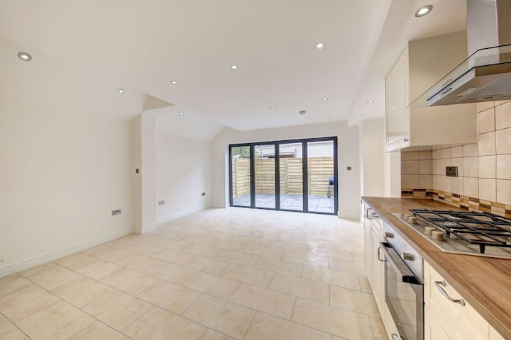 Spacious & Morden newly refurbished flat - Teddington - Appartement