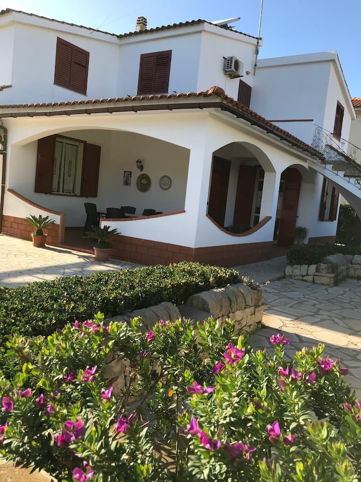 Villa VEMA