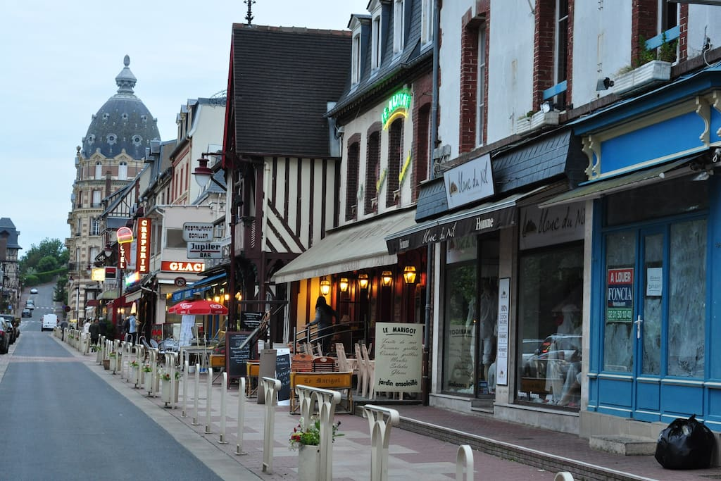 Rue commerciale