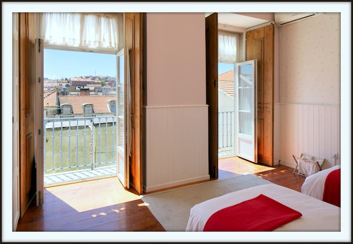 3 BR in Central Lisbon - FREE WIFI