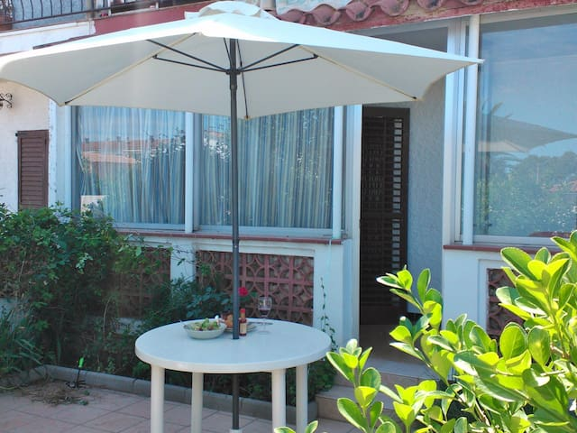 Two bedroom apartment with garden - L'Escala - Appartement