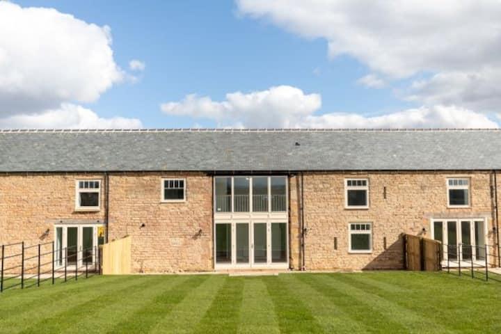La Roche - Barn Conversion on the Welbeck estate